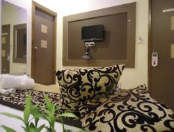 Pets-friendly hotels in Sarkhej