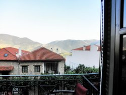 Arachova hotels with restaurants