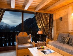 Argentiere hotels with swimming pool