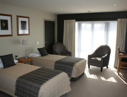 Fox Glacier hotels with restaurants