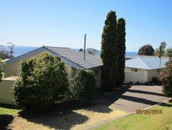 Ulladulla hotels with sea view