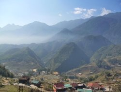 Sapa hotels with lake view