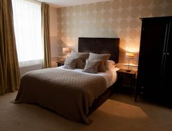Witney hotels with restaurants