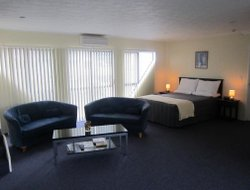 Paraparaumu Beach hotels