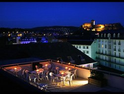 Lourdes hotels with restaurants
