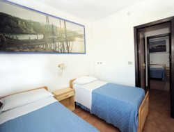 Peschici hotels with swimming pool