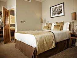 Business hotels in Ealing