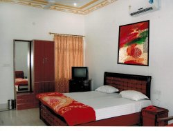 Top-5 hotels in the center of Bharatpur