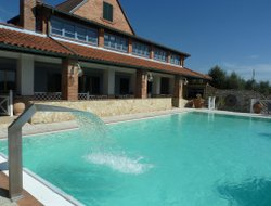 Casale Marittimo hotels with swimming pool