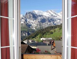Muerren hotels with swimming pool