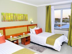 Botswana hotels with restaurants