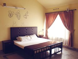 Pets-friendly hotels in Vaduvanchal
