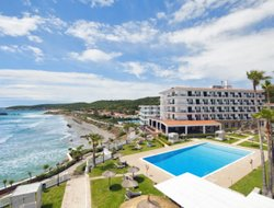 Es Migjorn Gran hotels with sea view