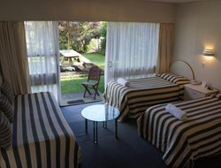 Manukau City hotels with swimming pool