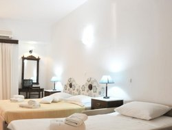 Top-3 romantic Spetses hotels