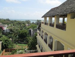 Lamu Island hotels with restaurants