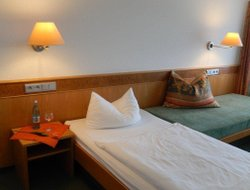 Rechbach hotels with restaurants