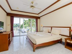 Phuket Island hotels with lake view