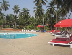Dena hotels with swimming pool