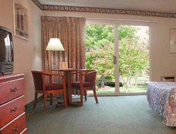 West Yarmouth hotels for families with children