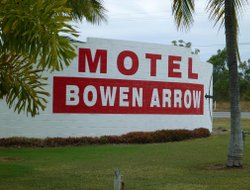 Bowen hotels with swimming pool