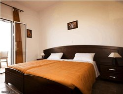 Pets-friendly hotels in Arillas Kavvadades