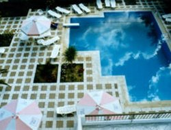 Karfas hotels with swimming pool