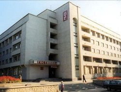 Kirov hotels with restaurants