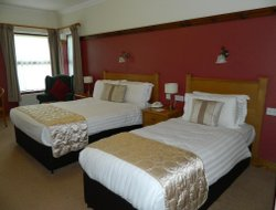 Letterkenny hotels with restaurants