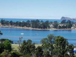 Tairua hotels with sea view