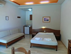 Dharatsos hotels with sea view
