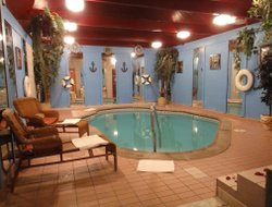 Bensalem hotels with swimming pool
