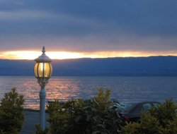 Evian-les-Bains hotels with restaurants