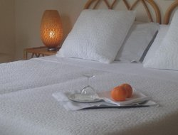 Scoglitti hotels with restaurants