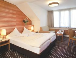 Innsbruck-Igls hotels with restaurants