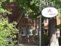 Pets-friendly hotels in Isernhagen