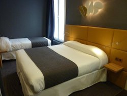 Business hotels in Clichy