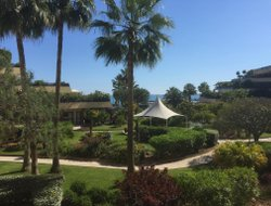 St. Laurent-du-Var hotels with swimming pool