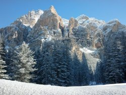 San Cassiano hotels with restaurants