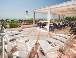 Grado hotels with restaurants