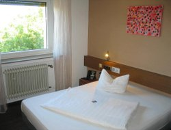Saarlouis hotels with restaurants