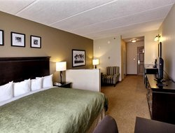 Lithia Springs hotels with restaurants