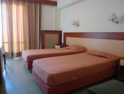 Pets-friendly hotels in Marmari