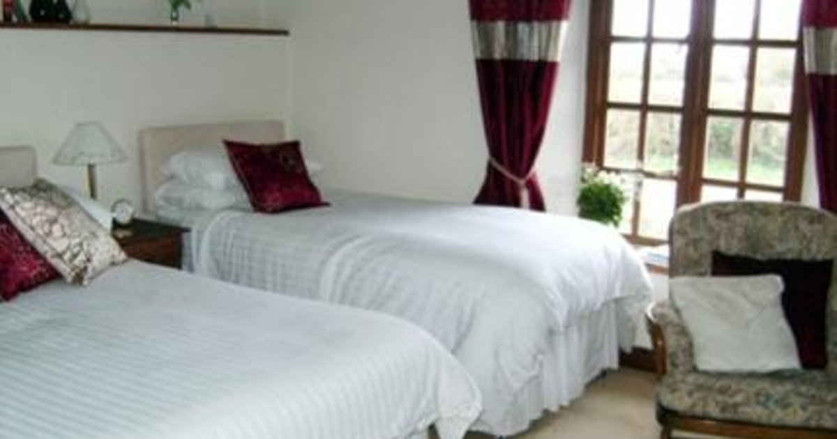 Blackmore Farm Cottage Bed and Breakfast