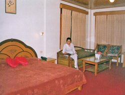 Manali hotels with restaurants