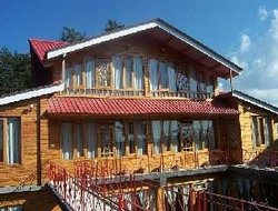 Shimla hotels with swimming pool