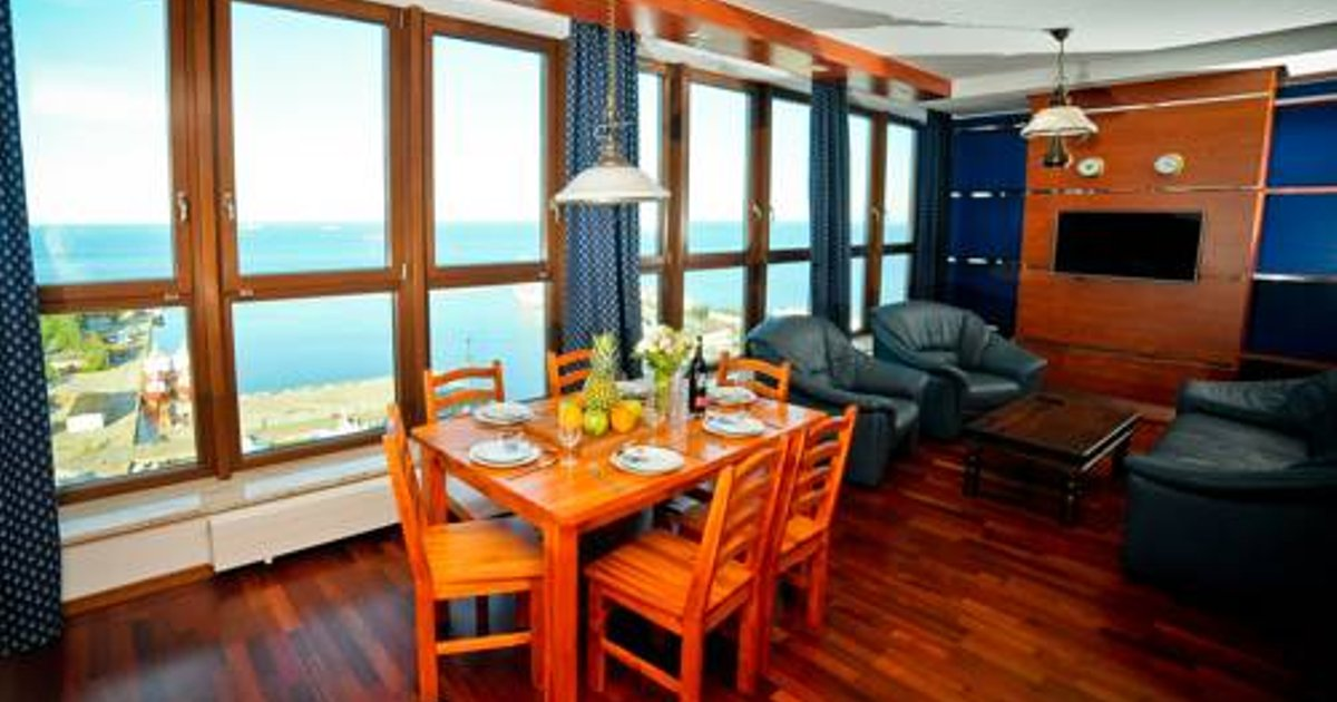 Luxury Yacht Club Apartment - Sea View
