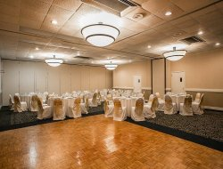 Sumter hotels with restaurants