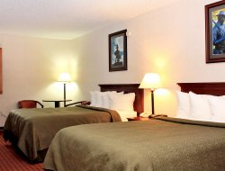 Spearfish hotels with swimming pool
