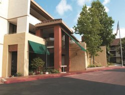 Top-6 hotels in the center of Newbury Park